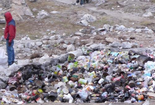 Everest garbage .jpg